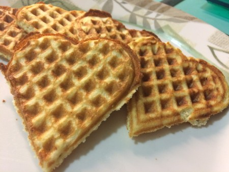 Low-carb, gluten-free waffles. Only 3g net-carbs for all this.